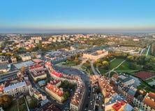 Люблин - ландшафт города с воздухом Старые городок и замок Люблина, и район Kalinowszczyzna на заднем плане увиденный от t Стоковое Изображение