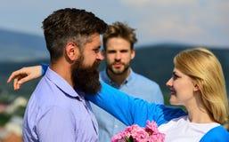Любовники встречая внешние отношения романс flirt сломленное сердце принципиальной схемы Пары в датировка влюбленности счастливом стоковое изображение
