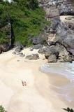любовники пляжа Стоковые Фото