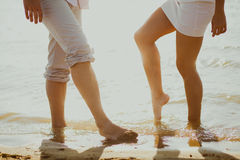 Любовники соединяют в море Стоковая Фотография RF