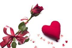 Любовь красный цвет сердца поднял Стоковое Изображение RF