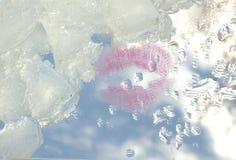 Любовь Поцелуй Небо льдед Вода абстракция Стоковое Фото