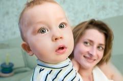 Любознательний младенец Стоковые Фото