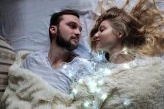 Любящие пары в уютном маяке Стоковые Фотографии RF