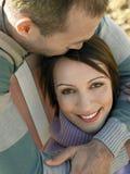 Любящие пары на пляже стоковое фото