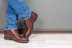 Люди ботинок стоковое изображение