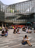 Люди в торговом центре, Пекин Стоковая Фотография