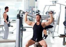 люди гимнастики группы пригодности резвятся тренировка Стоковые Фото