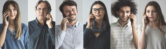 Люди говоря на мобильном телефоне стоковые изображения