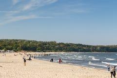 Люди на пляже в Sopot Стоковая Фотография RF