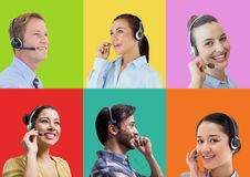 Люди обслуживания клиента центра телефонного обслуживания в красочных квадратных разделах стоковое изображение rf