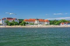 Люди отдыхая на пляже Sopot стоковая фотография rf