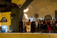 Люди пожара дышая Стоковая Фотография