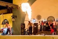 Люди пожара дышая стоковое изображение