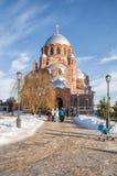 Люди приходят из виска Sviyazhsk, Россия Стоковая Фотография RF
