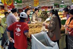 люди рынка фарфора chengdu carrefour супер стоковые изображения rf