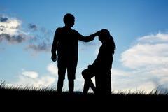 Люди силуэта влюбленности Стоковые Фотографии RF