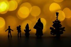 Люди с Рождеством Христовым и счастливого Нового Года миниатюрные: Дети w стоковое фото rf
