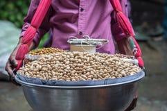 Люди чокнутого frome продавца бангладешские стоковые фото