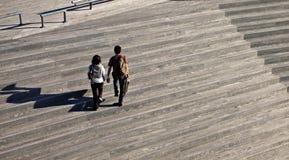 люди 2 гуляя Стоковые Изображения RF