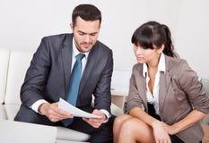 люди 2 деловой встречи Стоковая Фотография