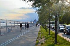 Люди Jogging в Торонто стоковые фотографии rf