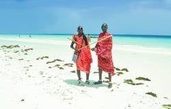 Люди Masai на пляже Стоковое Изображение