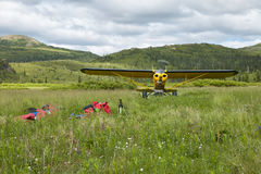 2 люд снимают взлет самолета Стоковое фото RF
