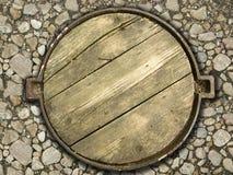 люк -лаз деревянный Стоковое Изображение