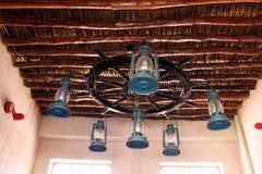 Люстра от ламп керосина Стоковая Фотография