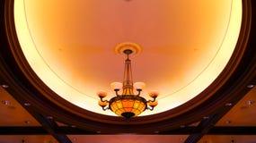 Люстра потолочных освещений стоковое фото