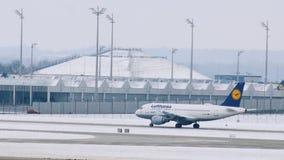 Люфтганза строгает получать готова принять, авиапорт Мюнхена, Германия