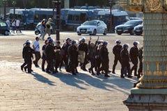 Люди арестованные на Месте de Ла конкорде Стоковые Фото