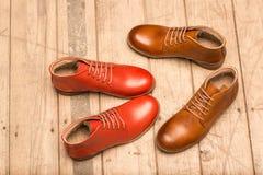 Люди Брайн и красные ботинки Стоковое фото RF