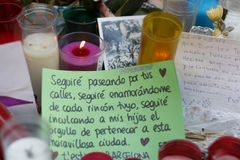 Люди воссоединили на ` s Rambla Барселоны после atack террориста Стоковые Фото