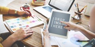 Люди встречая концепцию компьтер-книжки творческих способностей корпоративного дизайна Стоковое Изображение