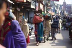 Люди в переулке Стоковое Изображение