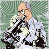 Люди в ретро стиле Ученый с микроскопом Стоковая Фотография RF