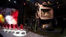 Люди в студии ТВ павильона акции видеоматериалы