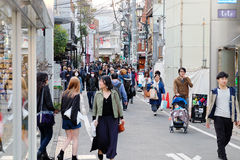 Люди в улице Ura-Harajuku Стоковые Изображения RF