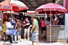 Люди в panjiayuan античном рынке Стоковое Изображение RF
