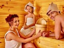 Люди группы в шляпе на сауне Стоковые Фотографии RF