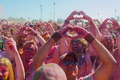 Люди делая форму сердца с его руками Стоковая Фотография RF