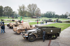 Люди и танки на Militalia 2013 в милане, Италии Стоковые Изображения