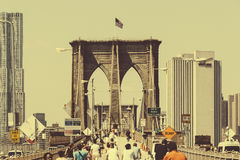 Люди идя в мост Стоковые Изображения RF