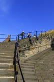 Люди идя 199 шагов whitby Стоковая Фотография RF