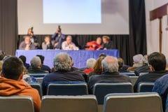 Люди на конференции в конференц-зале Стоковые Фотографии RF