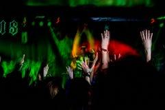 Люди на концерте музыки, партии утеса Стоковая Фотография RF