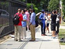 Люди на кубинськом посольстве стоковое изображение rf
