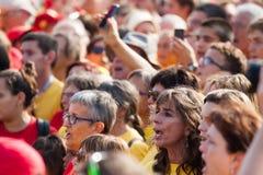 : Люди на независимости ралли требовательной для Каталонии Стоковые Изображения